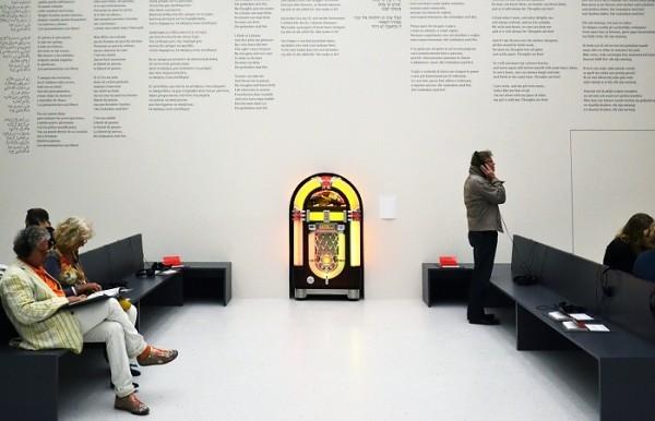 documenta-13-susan-hiller-gedanken-2